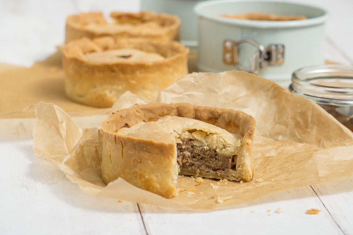 Easy Authentic Scotch Pie Recipe Scottish Scran