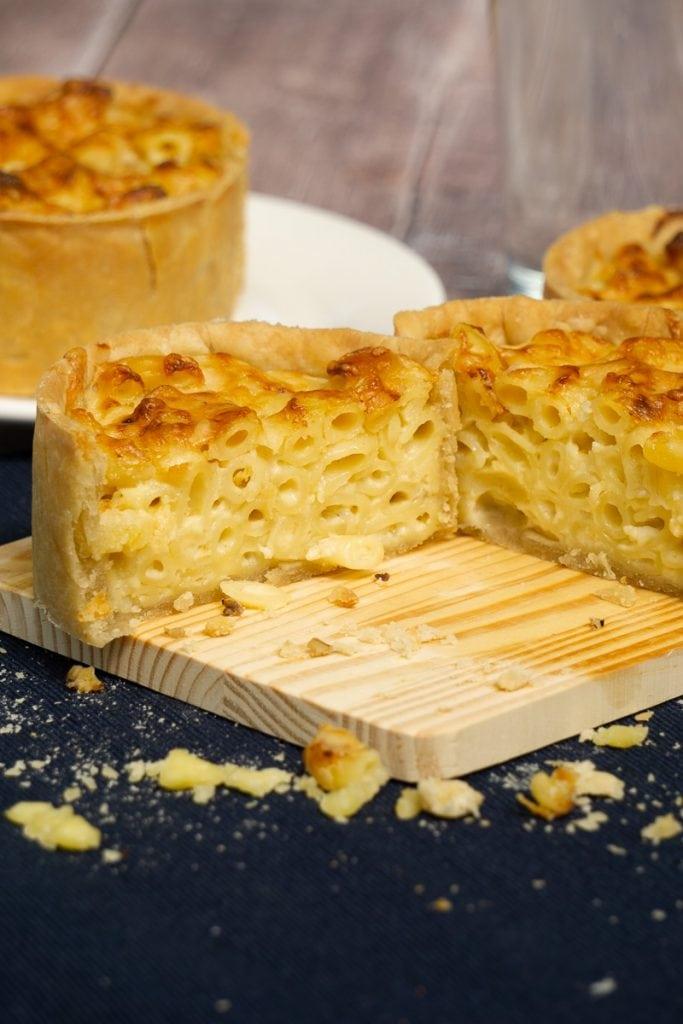 Scottish macaroni and cheese pie recipe
